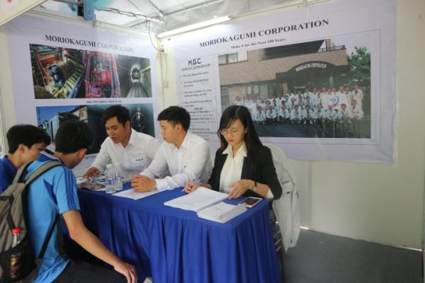 Hội chợ việc làm tại ĐH Bách Khoa HCM
